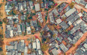 regularização fundiária: casas vistas de cima